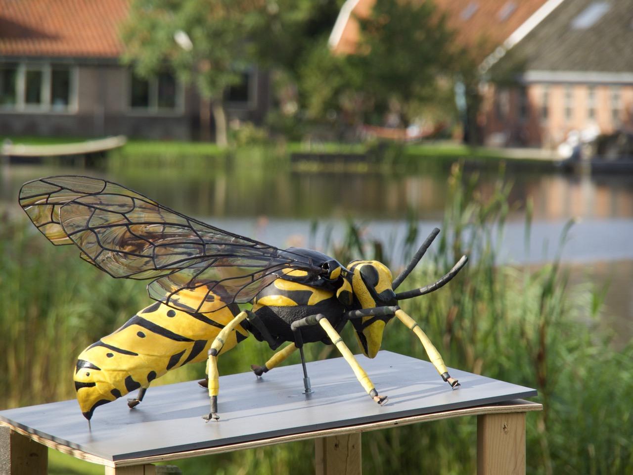 Insecten van keramiek